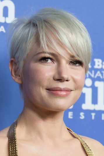 Cool short pixie blonde hairstyle ideas 14