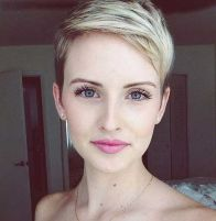 Cool short pixie blonde hairstyle ideas 32