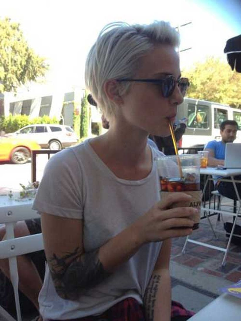 Cool short pixie blonde hairstyle ideas 4