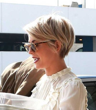 Cool short pixie blonde hairstyle ideas 41