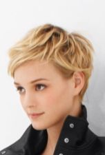 Cool short pixie blonde hairstyle ideas 46