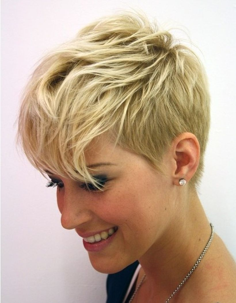 Cool short pixie blonde hairstyle ideas 60