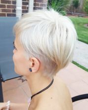 Cool short pixie blonde hairstyle ideas 87
