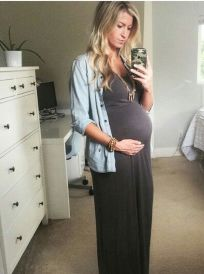 Fashionable maternity outfits ideas for summer and spring 14