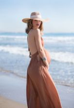 Fashionable maternity outfits ideas for summer and spring 2