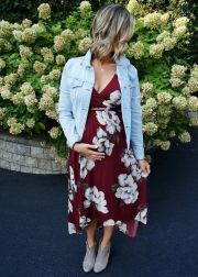 Fashionable maternity outfits ideas for summer and spring 27