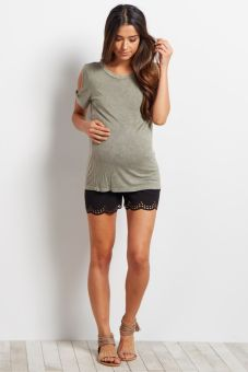 Fashionable maternity outfits ideas for summer and spring 6