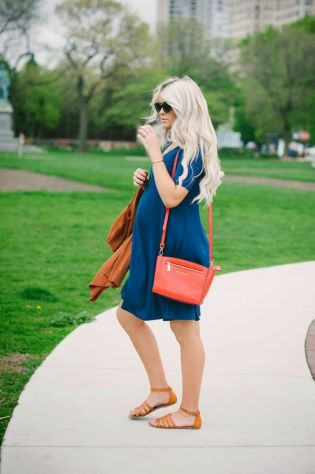 Fashionable maternity outfits ideas for summer and spring 94