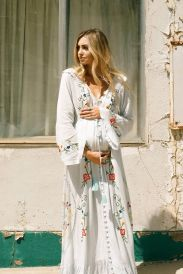 Fashionable maternity outfits ideas for summer and spring 99