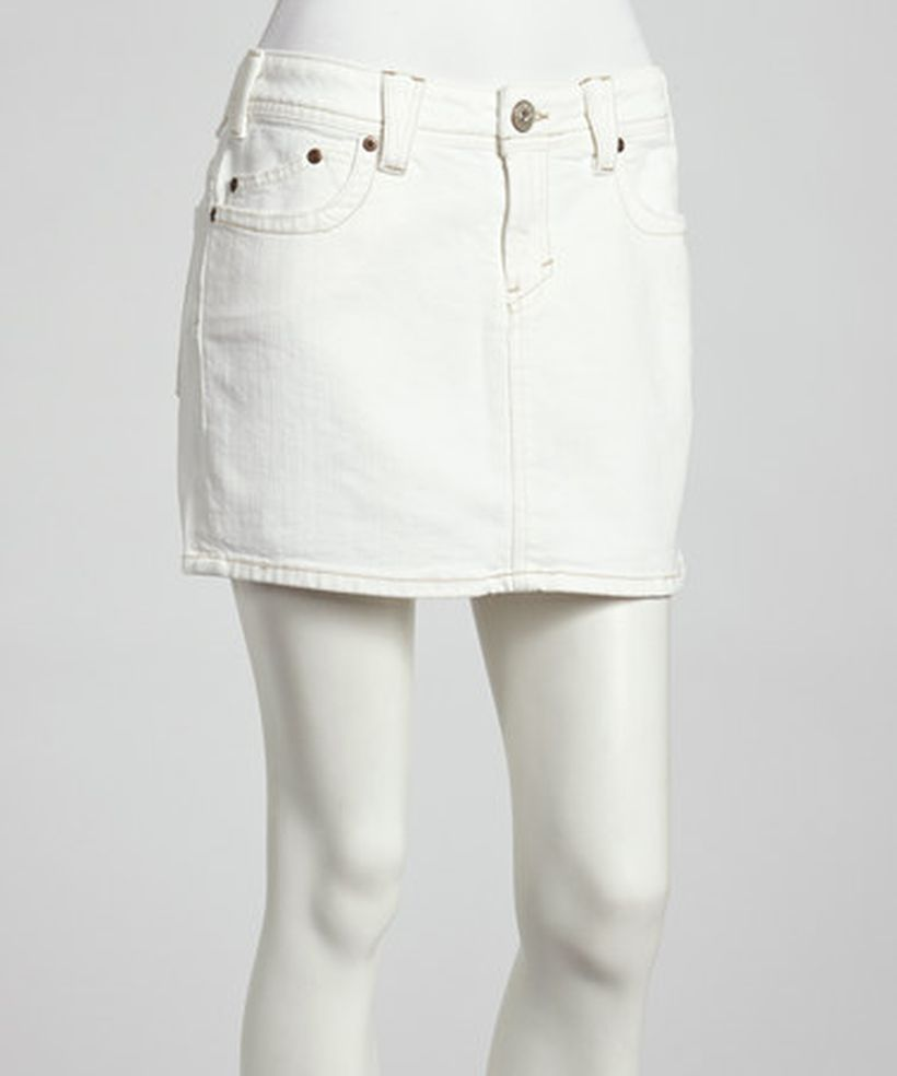 Fashionable white denim skirt outfits ideas 21