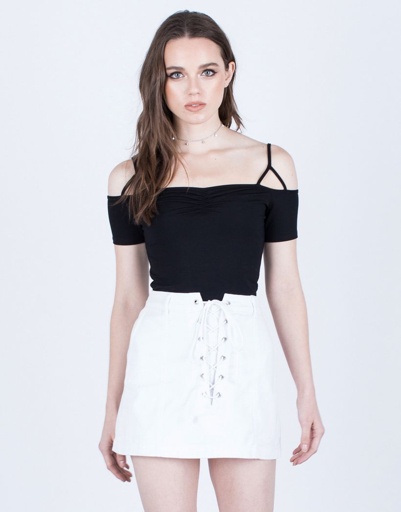 Fashionable white denim skirt outfits ideas 6