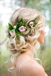 Gorgeous rustic wedding hairstyles ideas 45