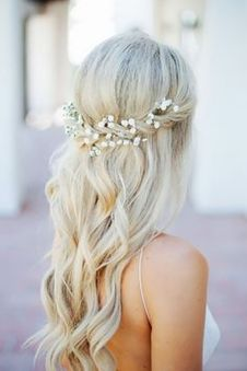 Gorgeous rustic wedding hairstyles ideas 71