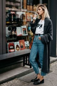 Inspiring simple casual street style outfits ideas 22