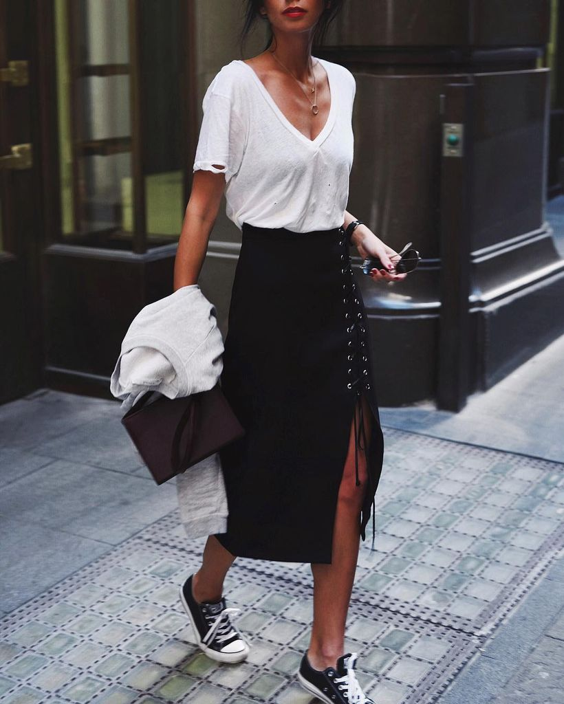 Inspiring simple casual street style outfits ideas 25