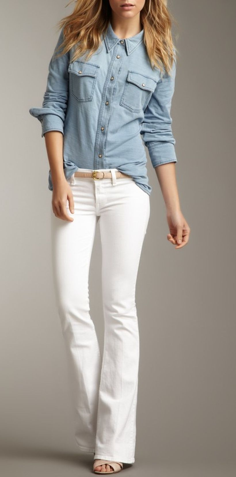 Perfect ways to wear white denim jeans outfits 36