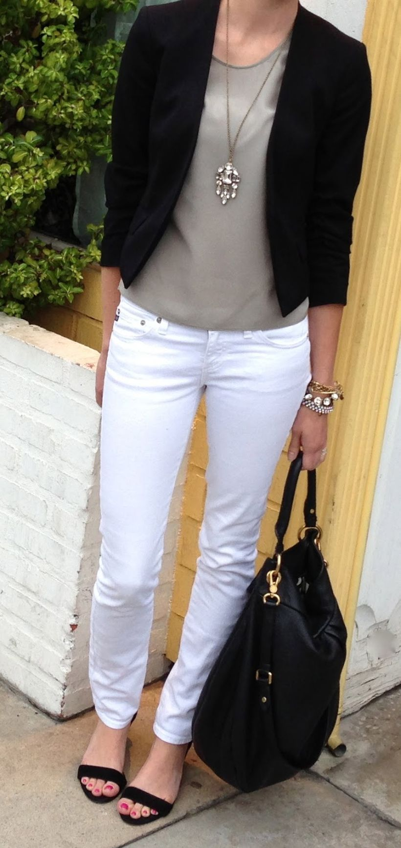 Perfect ways to wear white denim jeans outfits 78