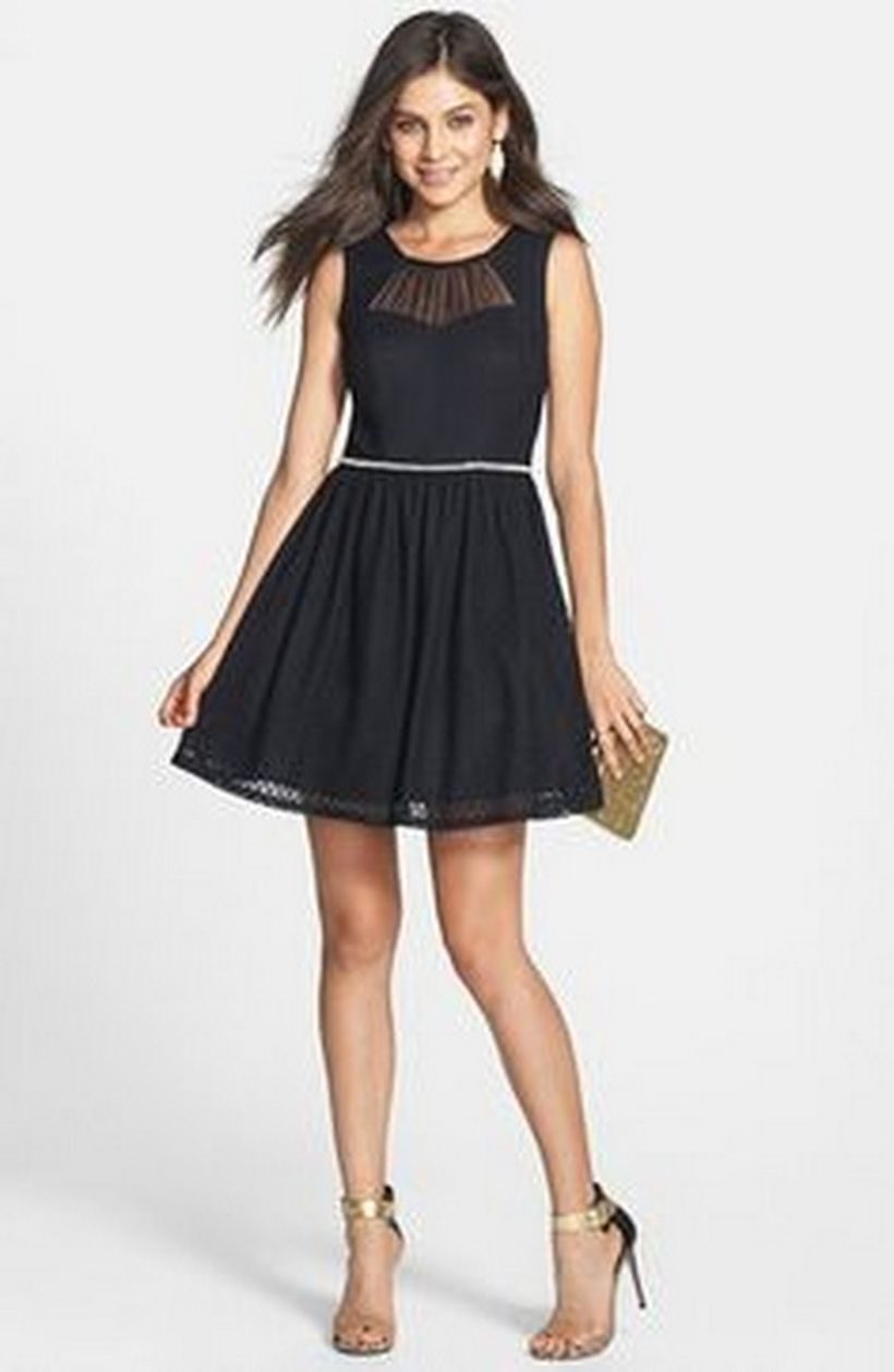 Stunning black short dresses outfits for party ideas 107