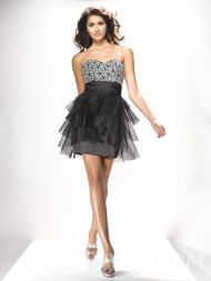 Stunning black short dresses outfits for party ideas 30