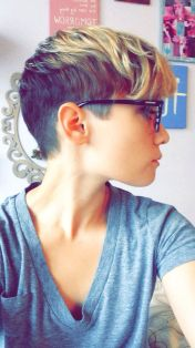 Cool short pixie ombre hairstyle ideas 31