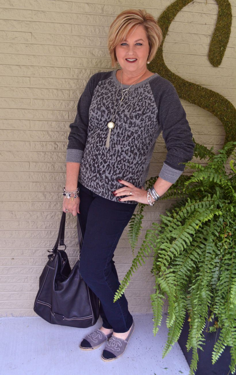 Fashionable over 50 fall outfits ideas 107