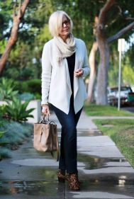 Fashionable over 50 fall outfits ideas 112