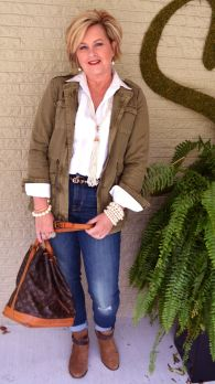 Fashionable over 50 fall outfits ideas 22