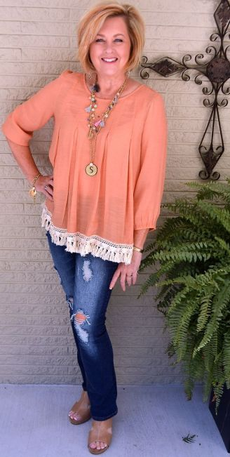 Fashionable over 50 fall outfits ideas 39