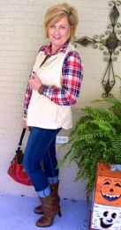 Fashionable over 50 fall outfits ideas 42