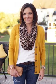 Fashionable over 50 fall outfits ideas 43