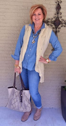Fashionable over 50 fall outfits ideas 65