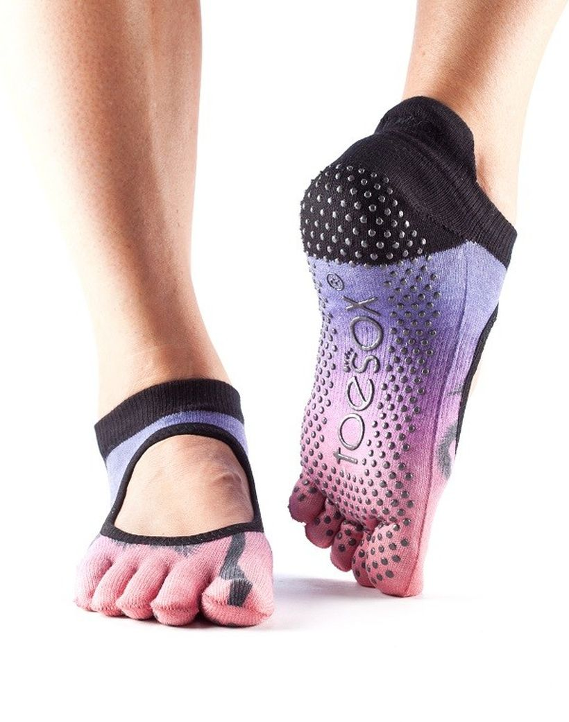 Most comfortable yoga shoes that must you have 12