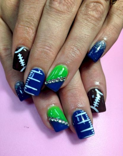 Seahawks nails design 50