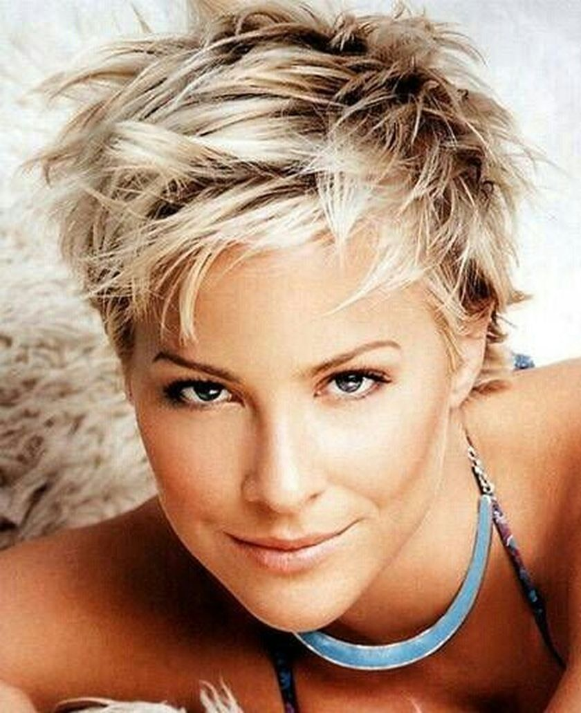 Short messy pixie haircut hairstyle ideas 63