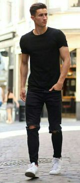 Stylish men's jeans outfits ideas in 2017 35