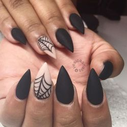 Halloween nails that you must try at halloween party 12