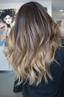 Inspiring haircolor style for winter and fall 36