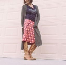 Inspiring skirt and boots combinations for fall and winter outfits 16