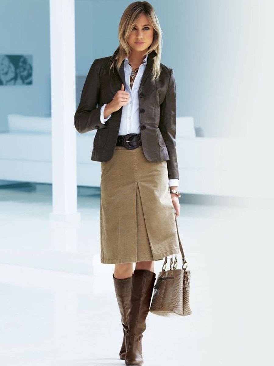 Inspiring skirt and boots combinations for fall and winter outfits 27