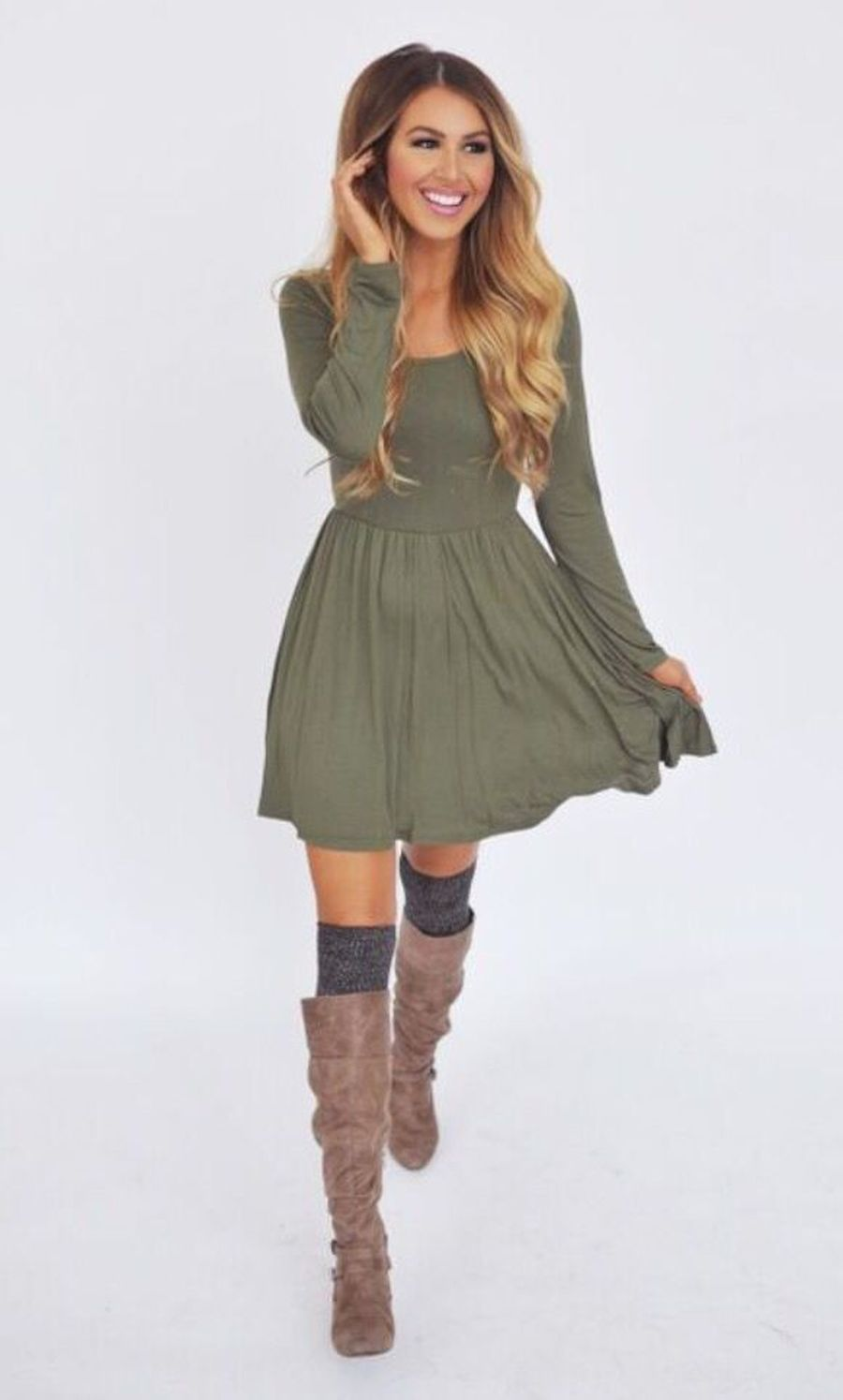 Inspiring skirt and boots combinations for fall and winter outfits 3