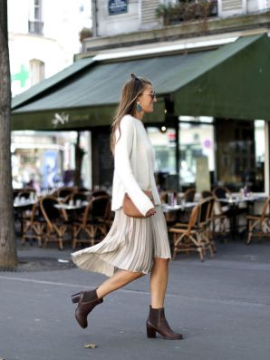 Inspiring skirt and boots combinations for fall and winter outfits 33