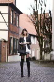 Inspiring skirt and boots combinations for fall and winter outfits 37