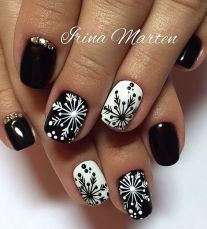 Cool holiday nails arts 9
