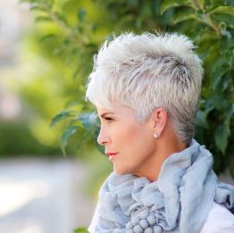 Fabulous over 50 short hairstyle ideas 19