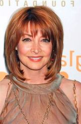 Fabulous over 50 short hairstyle ideas 33