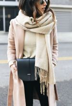 Fashionable scarves for winter outfits 111