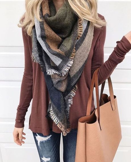 Fashionable scarves for winter outfits 47
