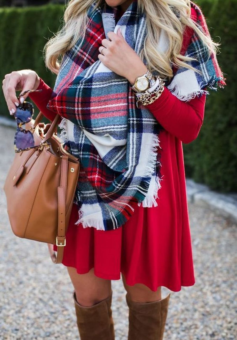 Fashionable scarves for winter outfits 58