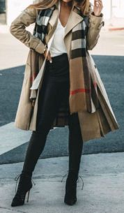 Fashionable scarves for winter outfits 59