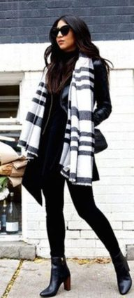 Fashionable scarves for winter outfits 60